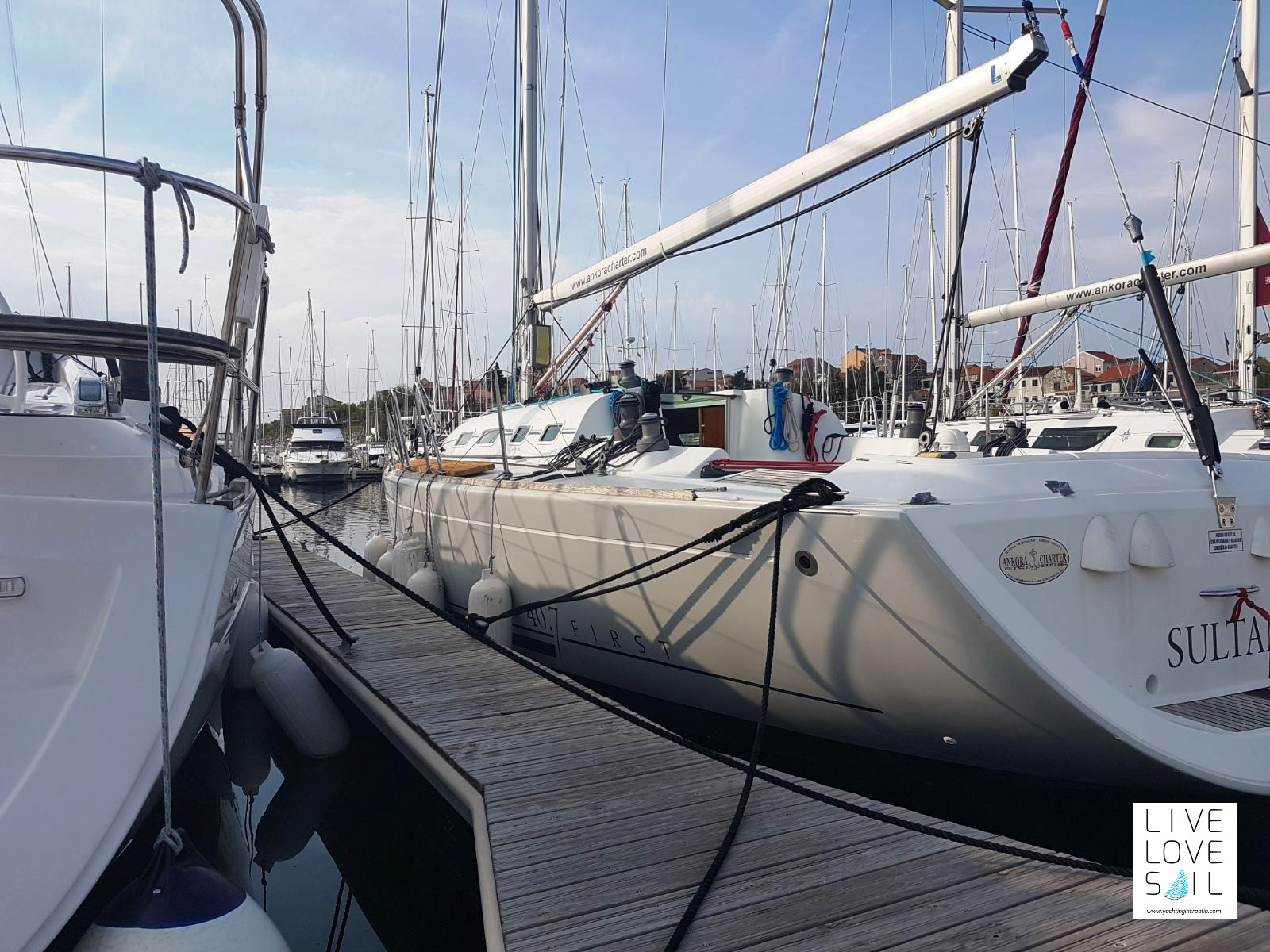 Beneteau First 40.7 - Sultan - Makeover